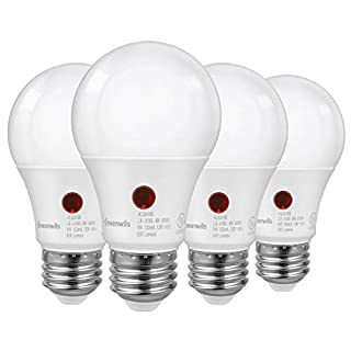 DEWENWILS 4-Pack Dusk to Dawn LED Light Bulb, Automatic On/Off, Outdoor A19 Light Bulbs, 5000K Daylight, 9W (60W Equivalent), 800LM, LED Security Bulb), LED Security Bulbs for Porch, Garage, UL Listed