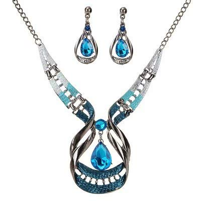 - Liroyal Crystal Necklace Earrings Set Charm Love Heart Valentine Lover Chain Pendant