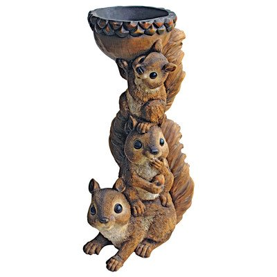Design Toscano Three's a Crowd, Stacked Squirrel Statue