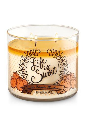 Bath & Body Works - Vela aromática con inscripción Life is Sweet (la vida es dulce), aroma de vainilla, calabaza y malvavisco con 3mechas de 411 gramos