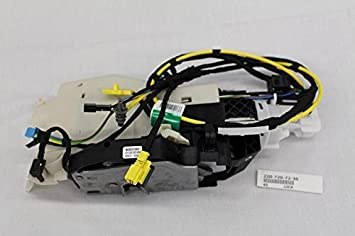 Amazon Com Mercedes Benz 220 720 72 35 Door Lock Actuator Motor Automotive