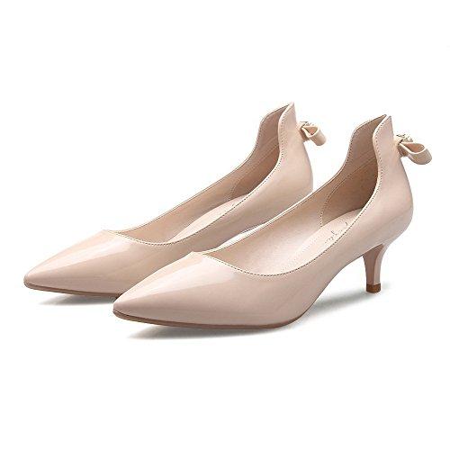 Aalardom Dames Lakleder Kitten-hakken Pumps-schoenen Met Strikken En Metalen Stuk Abrikoos