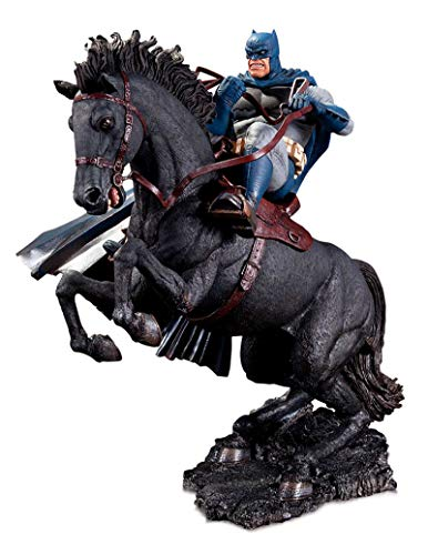 (DC Collectibles The Dark Knight Returns: A Call to Arms Mini Battle Statue)