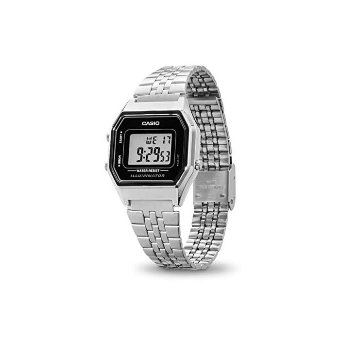 41tvhYkNGRL Incluye cronómetro, alarma diaria, calendario automático y formato de 12 o 24 horas Caja de resina y correa de acero inoxidable con cierre ajustable La duración de la batería es de 5 años