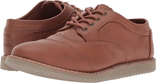 TOMS Kids Boy's Brogue (Little Kid/Big Kid) Toffee Synthetic Leather 4 Big Kid (Boys Brown Leather Shoes)