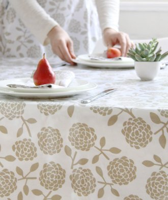 Dandi 10 Seater Oilcloth Tablecloth, Hydrangea Oatmeal by Dandi