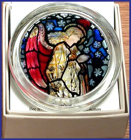 Decorative Hand Painted Stained Glass Paperweight in an Angel Praying (Hand Painted Paperweight)