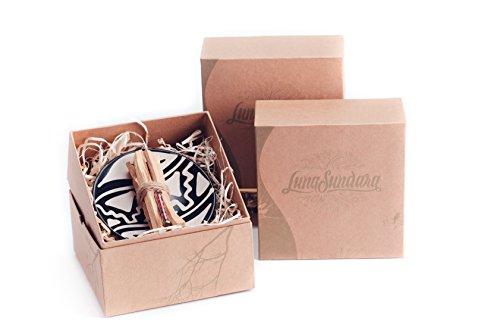 Luna Sundara Palo Santo Gift Set Box, 8 Palo Santo Sticks with a Hand Painted Smudging Plate and Huayruro Charm -