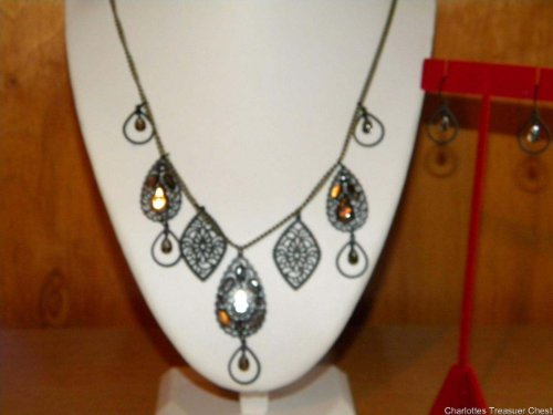 Avon Filigree Collar Necklace and Earring Gift Set