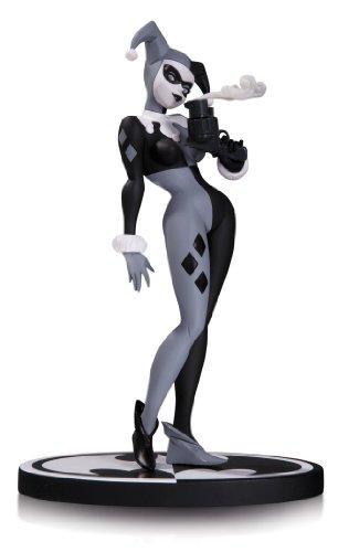DC Collectibles Batman Black & White: Harley Quinn Statue by Bruce Timm (Quinn Arkham Statue Harley City)