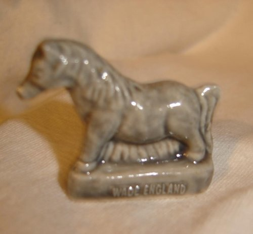Pony (Red Rose Tea/Wade Figurine, Pet Shop Series 2006-2008) ()