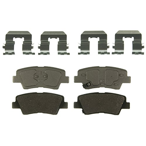 Hyundai Accent Brake Pads (Wagner ThermoQuiet QC1544 Ceramic Disc Pad Set With Installation Hardware, Rear)