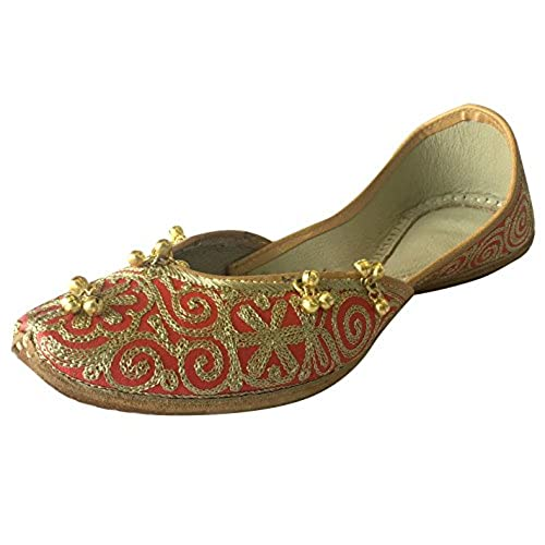 a189ff300865f delicate Step n Style Women's Red Gold Punjabi Jutti Ghungroo ...