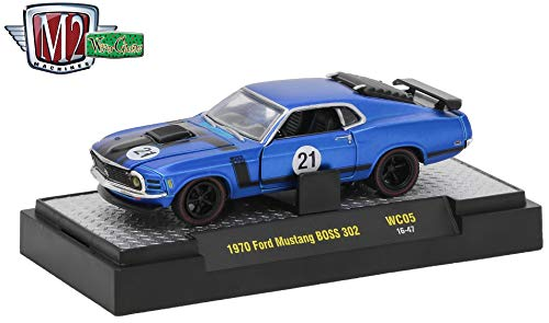 M2 Machines 1971 Ford Mustang BOSS 302 (Satin Blue w/Semi-Gloss Black Stripes) Wild Cards Release WC-05 - 2017 Castline Premium Edition 1:64 Scale Die-Cast Vehicle (WC05 ()