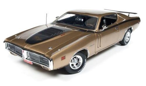 1 18 Autoworld AMM1086 1971 Dodge Charger R T Gold Limited 1002 Pcs.