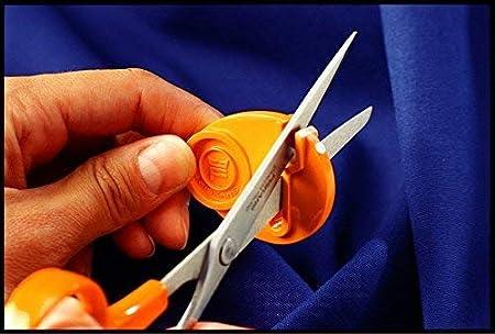Amazon.com: FiskarsSewSharp afilador de tijeras ...