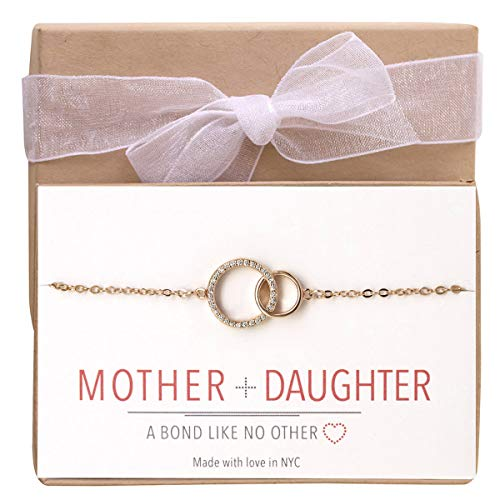 A+O Mother and Daughter Jewelry Gift - Interlocking Circles Bracelet in Gold