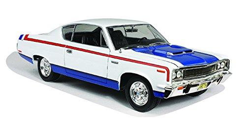 - Road Signature 1970 AMC Rebel, White 92778 - 1/18 Scale Diecast Model Toy Car