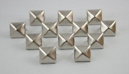(100 pcs. Silver Pyramid Prong Studs 11 mm. CKSPN11)