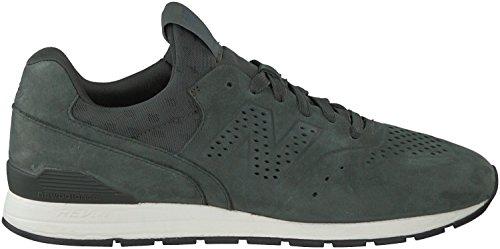 Grüne New Balance Sneaker MRL996