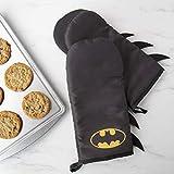 DC Batman Oven Mitt Set with Bat Symbol Design