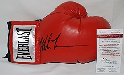 cb42c2f9909 Image Unavailable. Image not available for. Color  Mike Tyson Hand Signed    Autographed Red Everlast Boxing Glove - JSA