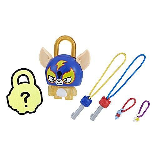 (Hasbro Lock Stars Dog Wrestler)