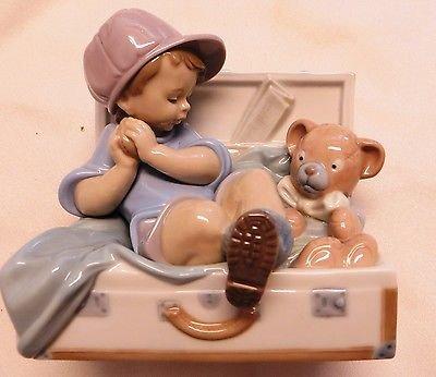 Gorgeous Mint Lladro #6795 My Favorite Place Boy in Box w Hat Teddy bear