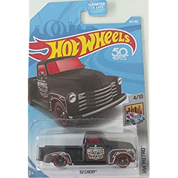 1:64 Showdown /'52 Chevy Pickup Metro Red 244//250 Collectible Car Boys