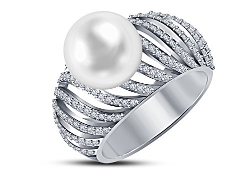 9 mm Akoya Cultured Pearl and 0.4 carat total weight diamond accent Ring in 14KT White Gold