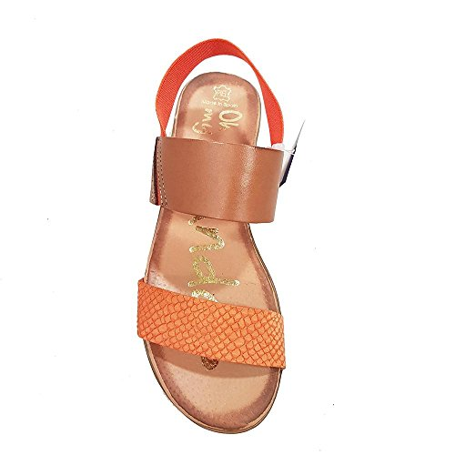 Sandalia piel naranja. Pala grabada. Talla 37