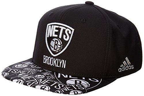 NBA Brooklyn Nets Men's Tail Sweep Flat Brim Snapback Hat, Black, One Size