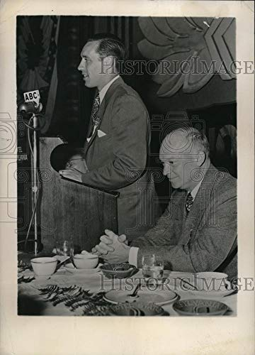 (Historic Images - 1948 Vintage Press Photo Pitcher Bob Feller making a speech next to Gen. Eisenhower)