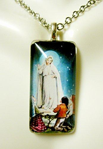 Our Lady of Fatima glass pendant - GP12-607 ()