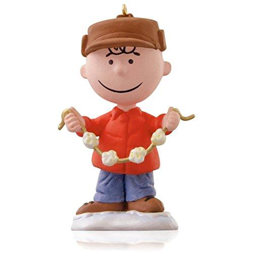 (Decking the Tree - Peanuts Charlie Brown Popcorn Garland Ornament 2015 Hallmark)