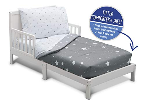 Delta Children Toddler Bedding Set | Boys 4 Piece Collection | Fitted Sheet, Flat Top Sheet w/Elastic Bottom, Fitted Comforter w/Elastic Bottom, Pillowcase, Dusty Skies | Grey (Bedding Toddler Aqua)