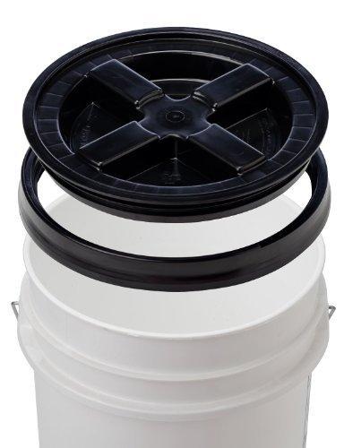 t & Gamma Seal Lid - Food Grade Plastic Pail & Gamma2 Screw Seal Tight Lid (Black) ()