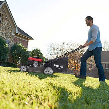 Amazon com : Poulan Self-Propelled Mower Powered by Honda : Garden