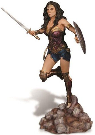 erman: Dawn of Justice: Wonder Woman 1/8 Scale Resin Model Kit ()