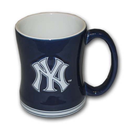 Boelter Brands MLB New York Yankees Relief Sculpted Mug, 15-ounce