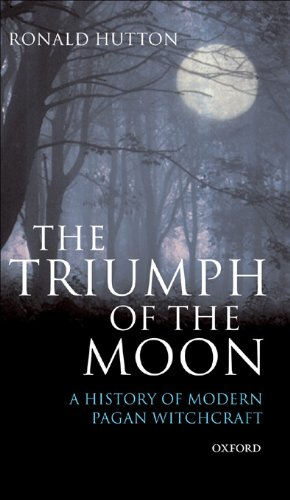 Amazon the triumph of the moon a history of modern pagan the triumph of the moon a history of modern pagan witchcraft by hutton fandeluxe Gallery