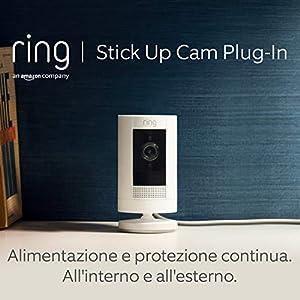Ring Stick Up Cam Plug-In, videocamera di sicurezza in HD con sistema di comunicazione bidirezionale, colore bianco, compatibile con Alexa