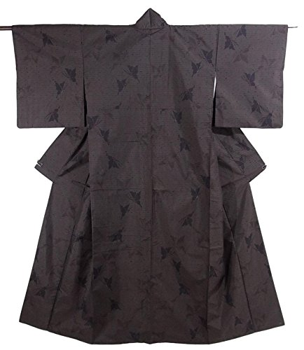 パンサーチームつかの間リサイクル 着物 紬 正絹 蝶のシルエット 亀甲模様 裄63.5cm 身丈156cm