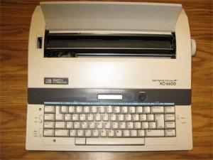 Reconstruido discontinued Smith Corona XD 6600 máquinas de escribir por alrededor de la oficina con nueva