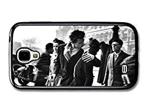 Paris City Black and White Kiss Photograph by Robert Doisneau case for Samsung Galaxy S4 by ruishername