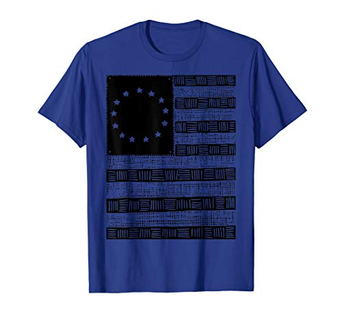 Betsy Ross Flag Distressed Colonial 1776 American T-Shirt]()