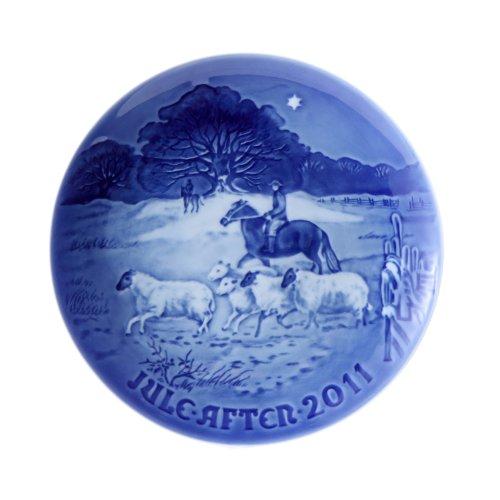 "2011 Bing and Grondahl Christmas Plate ""Home for Chirstmas"