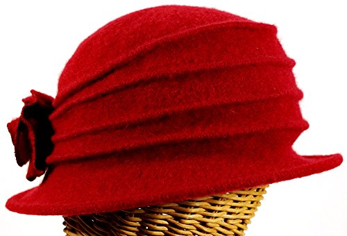 Women's Pleated Cloche with Rosette Accent Wine