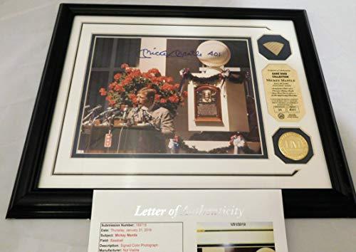Mickey Mantle Signed/Autographed Framed L/E 8x10 w/Game USed Bat. JSA LOA