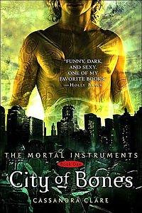 City of Bones (The Mortal Instruments: Graphic Novel, #1)